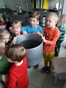 eziukai-virtuveje-2